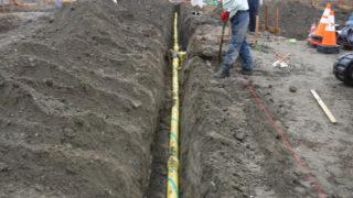 造成地での配管